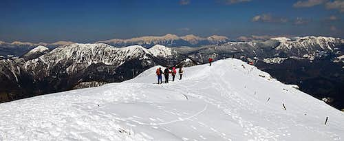 The summit ridge of Porezen