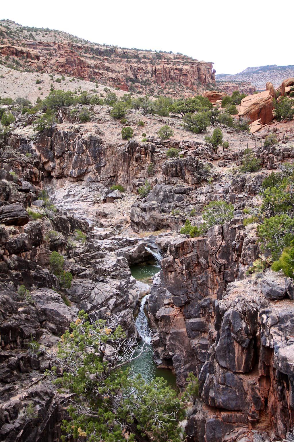 Geology of Dominguez