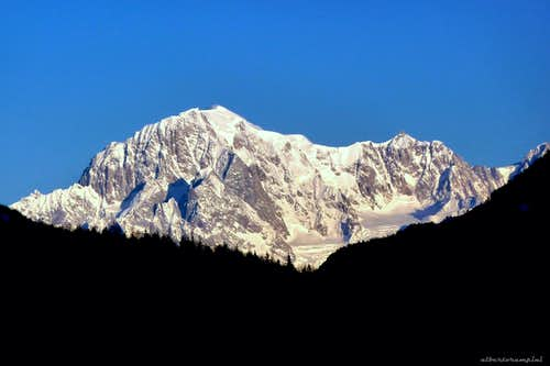 Monte Bianco at dawn seen from Lillaz, Val di Cogne