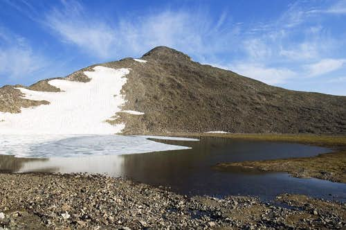 Pacific Peak and Pacific Tarn