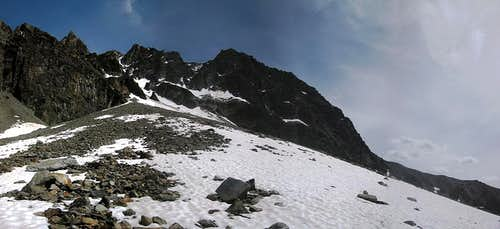 The bottom part of the Hohe Geige west ridge, from the north