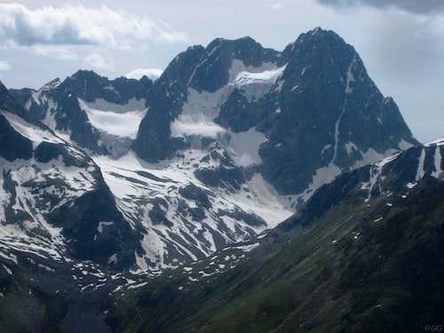 Watzespitze (3532m) from Gahwinden