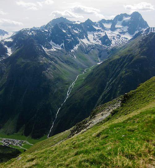 Seekogel (3357m) and Watzespitze (3532m) from Gahwinden (2649m), with Plangeros (1612m) deep down below in the Pitztal valley