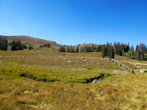 Ponds At The Base Of The Peak Photos Diagrams Topos