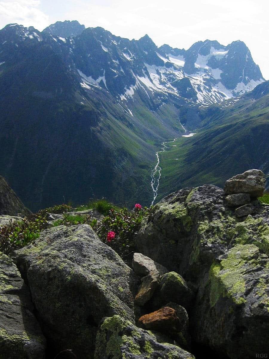 Seekogel(3357m), Seekarlesschneid (3207m) and Watzespitze (3532m) from the east