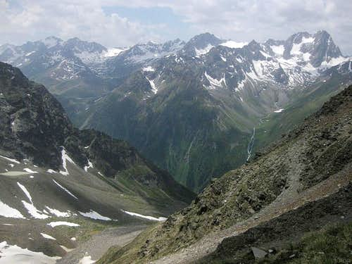 The southern Kaunergrat from the Hohe Geige normal route