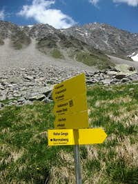 Route sign to the Hohe Geige normal route