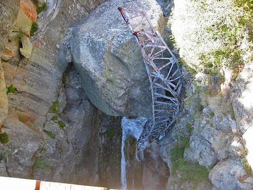High Sierra Trail failed bridge at Hamilton Gorge
