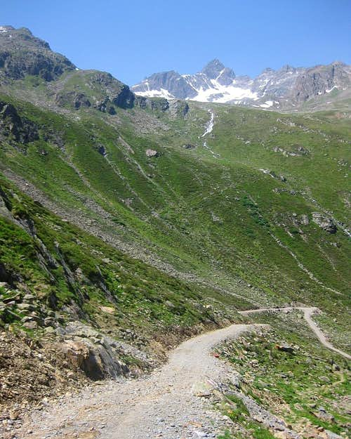 Weißmaurachkogel and Silberschneide from the SE, from the Pollestal valley floor