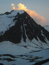 A smoking Linker Fernerkogel at dusk