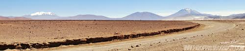 Panorama of Aucanquilcha (20.262ft) and Ollague (19.242ft)