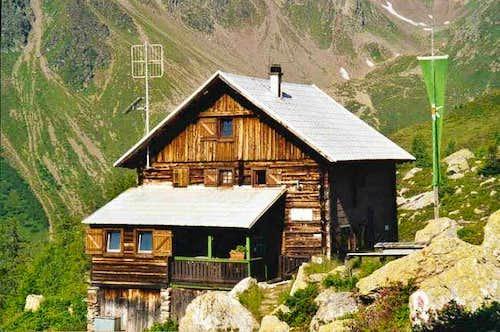The Salzkofel-hut at 1987m.