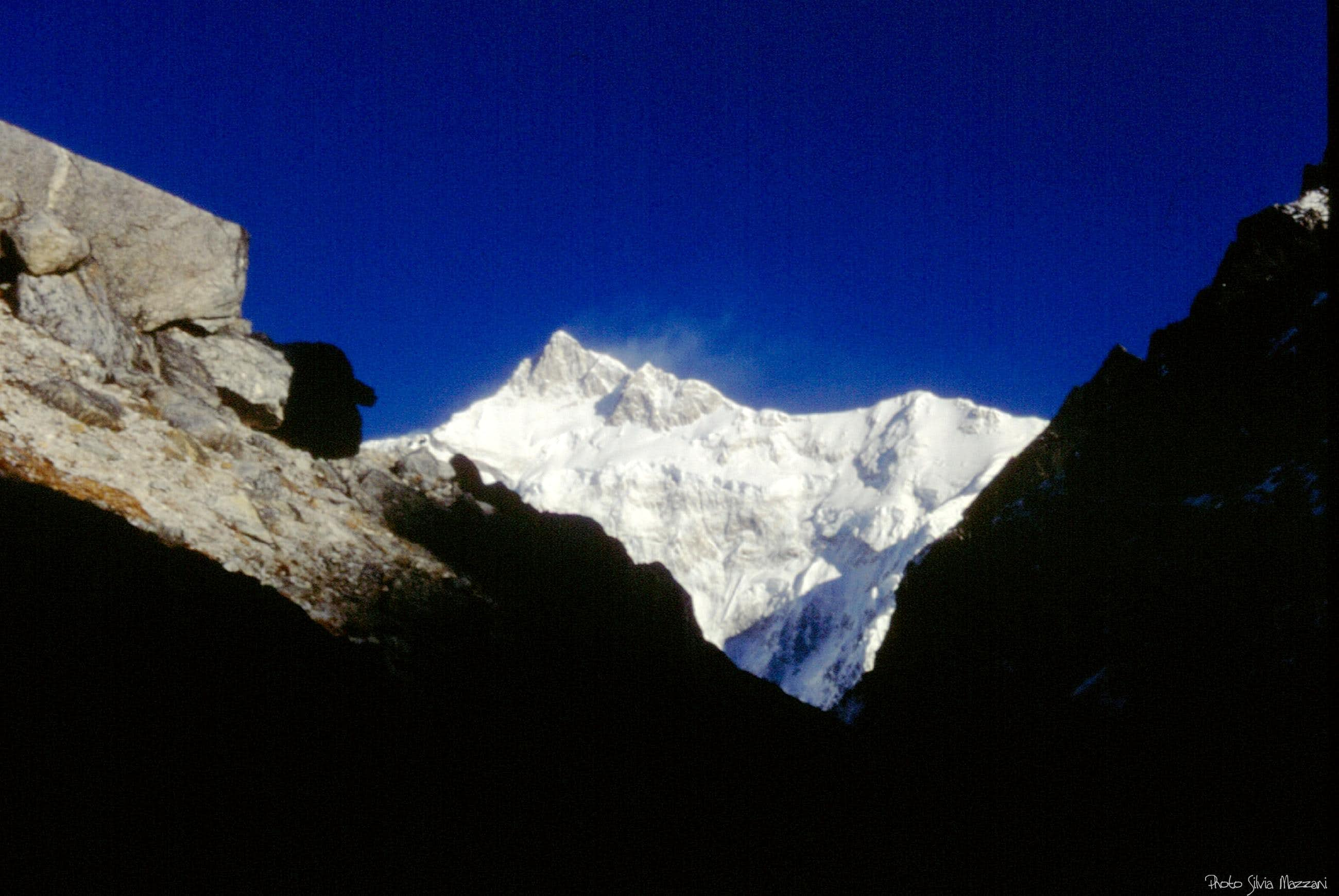 Sun  lighting  up  Kangchenjunga