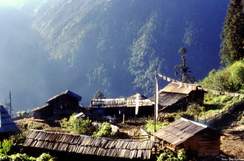 The small hamlet of Tsokha