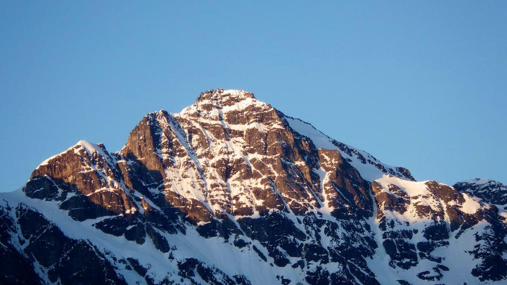 Sunrise on Colonial Peak