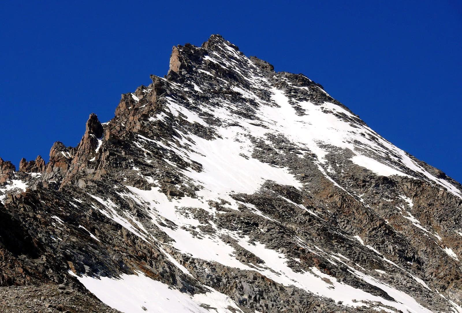<font color=blue>▲</font>The famous 3500m in the Aosta Valley and the normal route or no (Cogne Valley)