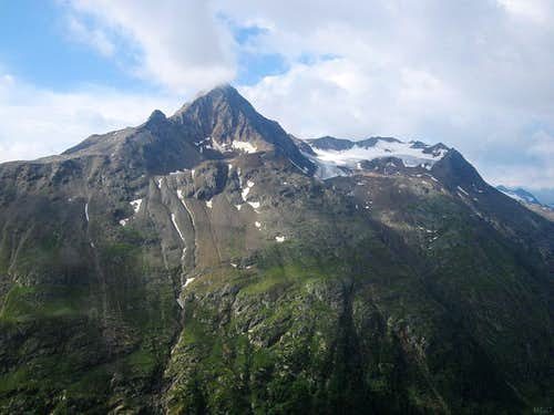 Talleitspitze from the north, along the way to the Breslauer Hütte