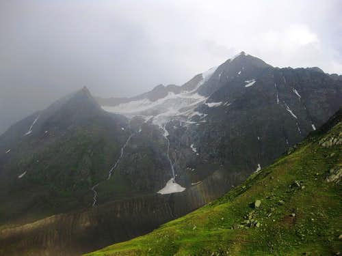Bad weather coming in over the Mutmalspitze