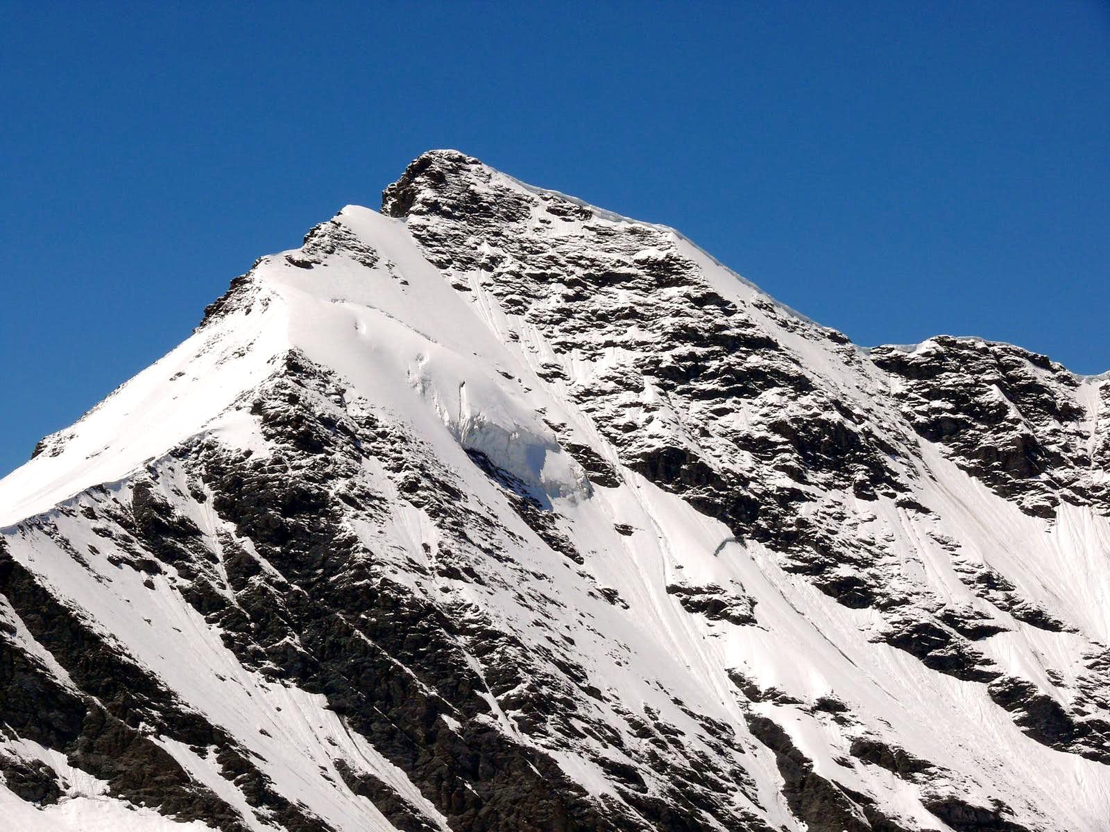 The famous 3.500m in the Aosta Valley and the normal route or no <b>(Valgrisenche Valley)</b>