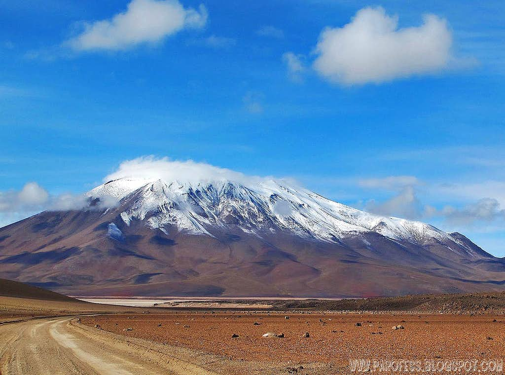 Juriques volcano with fresh snow