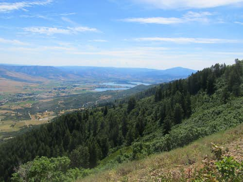 Pineview Reservoir from the trail