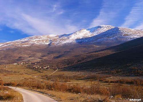 Unista (720m) village and...