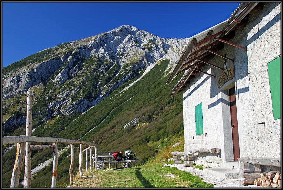 On Dobrenjscica alpine meadow