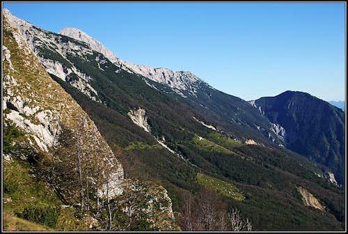 Across the S slopes of Mahavscek