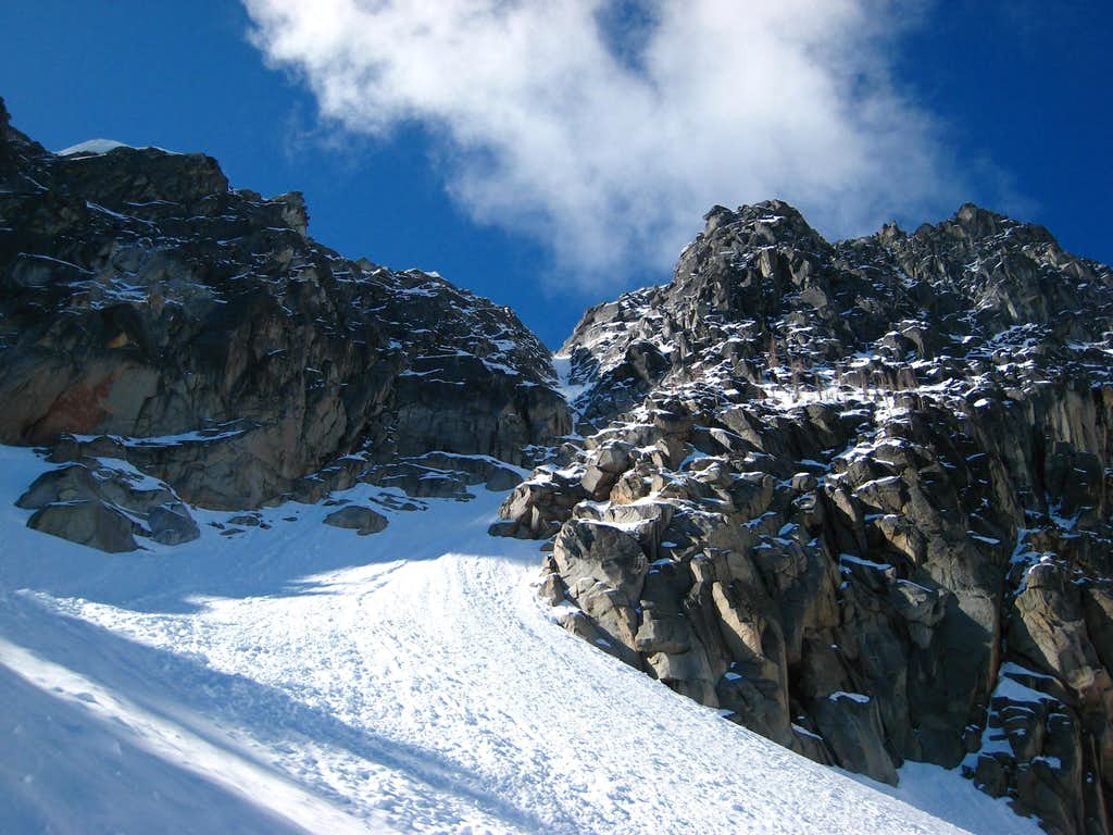 Looking up the NE couloir