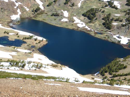 Gardisky Lake from the north slope of Tioga Peak