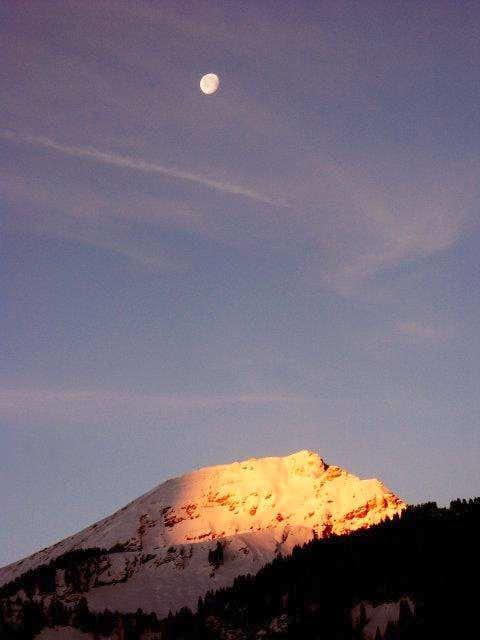 First sunrays on Mont de...