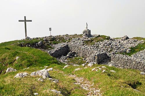 The summit cross on Monte Tersadia