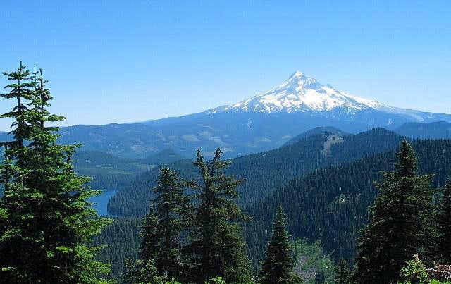 Mt. Hood just 13 air miles...