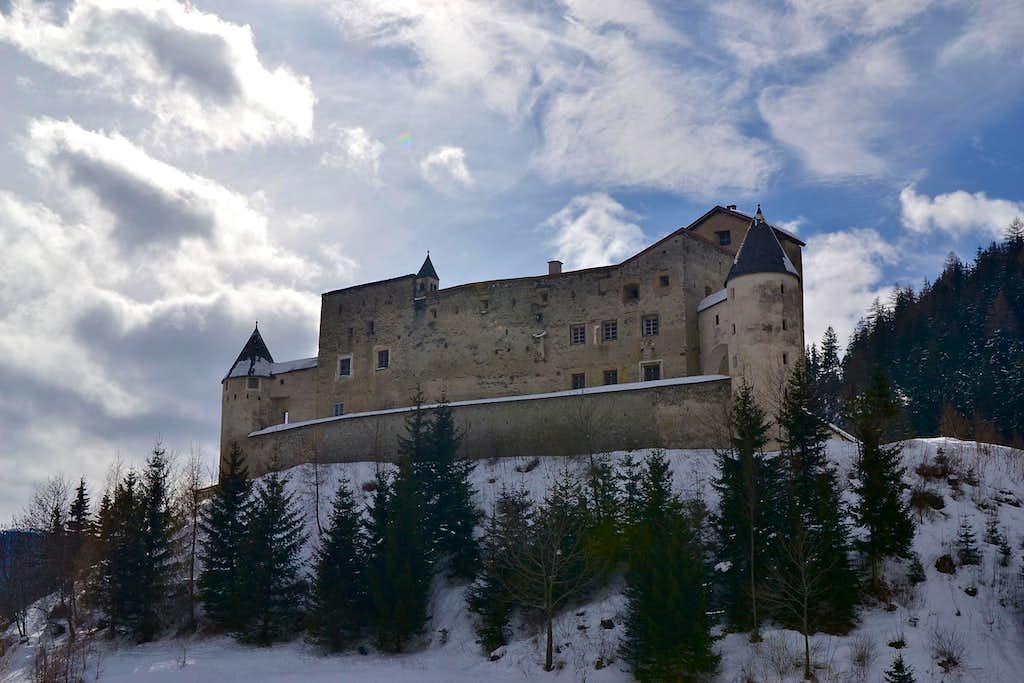 Nauders castle