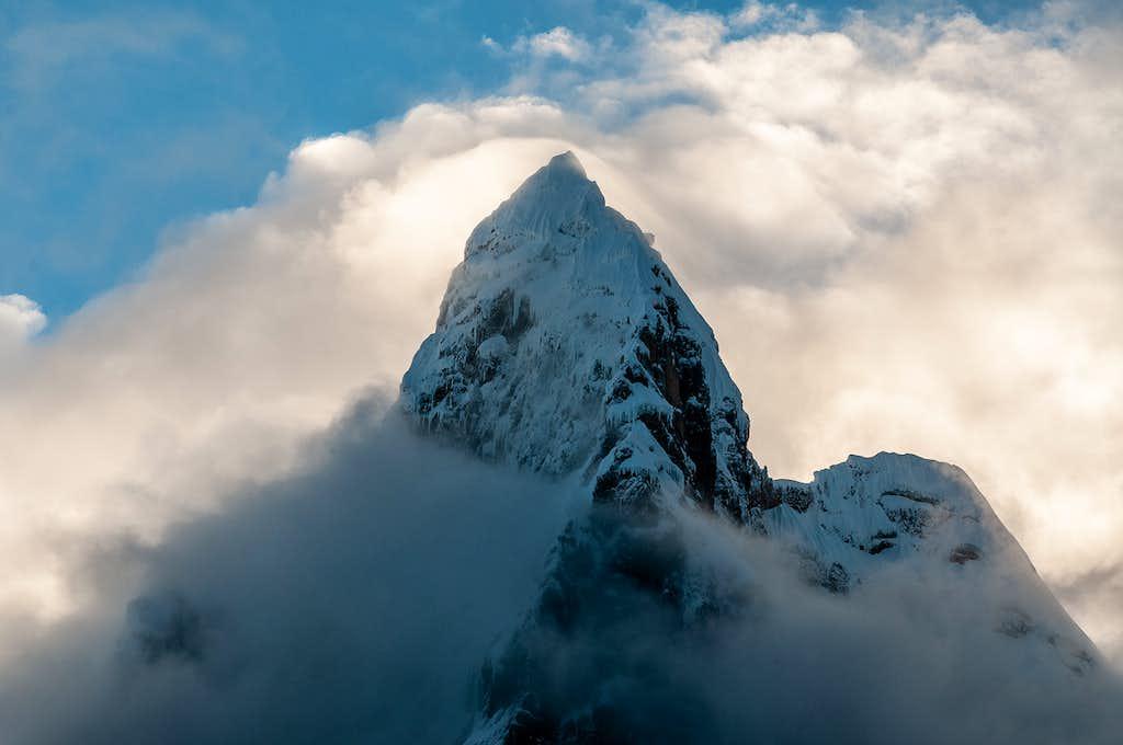 nevado Jirishanca