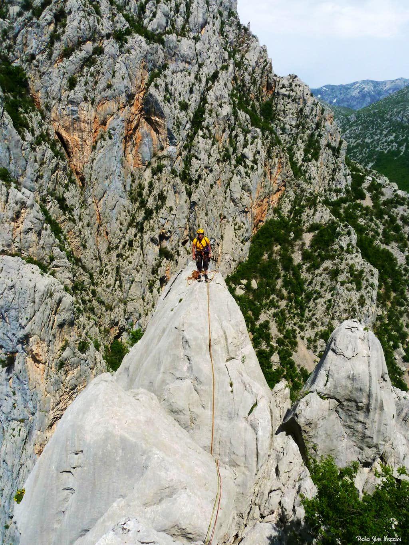 The thin summit of Veliki  Čuk