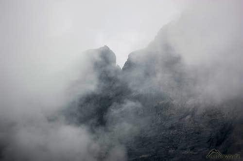 Zabi Kon in clouds