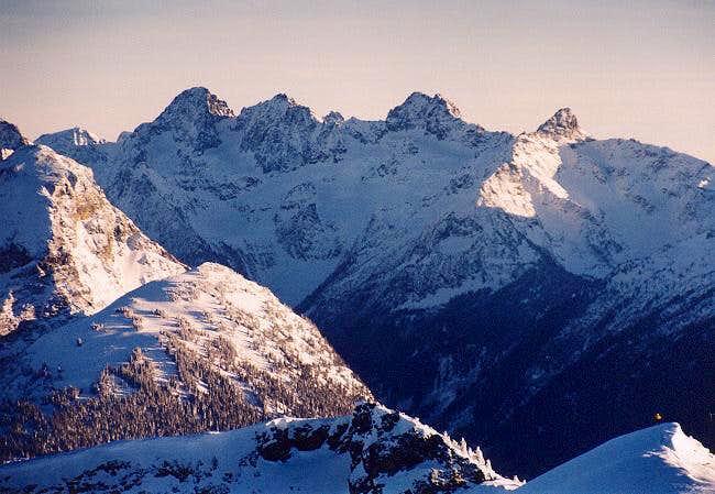 Ragged Ridge from the NNW...