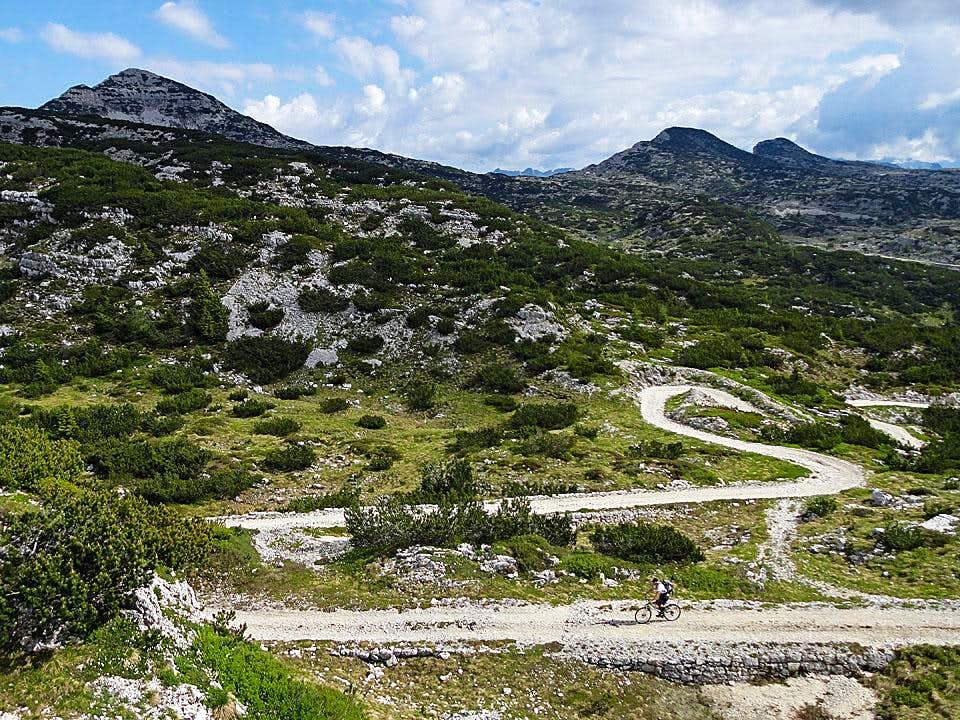 Biking down from Pass 2055 m