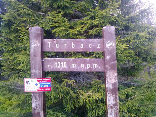 Sign marking the summit of Turbacz