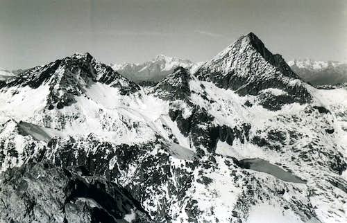 33 R. From Leppe Red Points / Emilius Traverse 1978