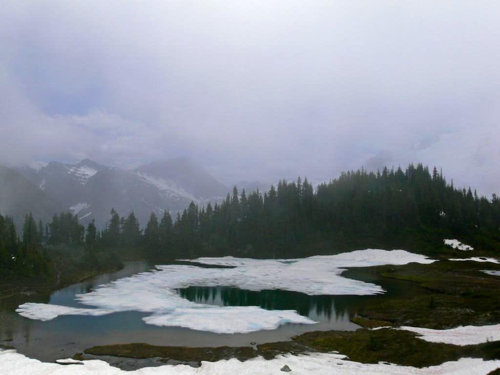 Yang Yang Lakes View