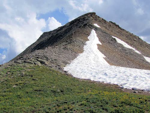 The SW ridgeline of Peak 13510 ft