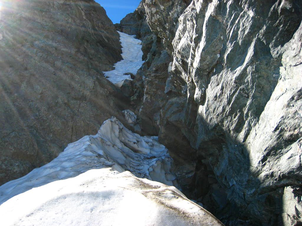 Looking up the neve couloir on out 3rd pitch