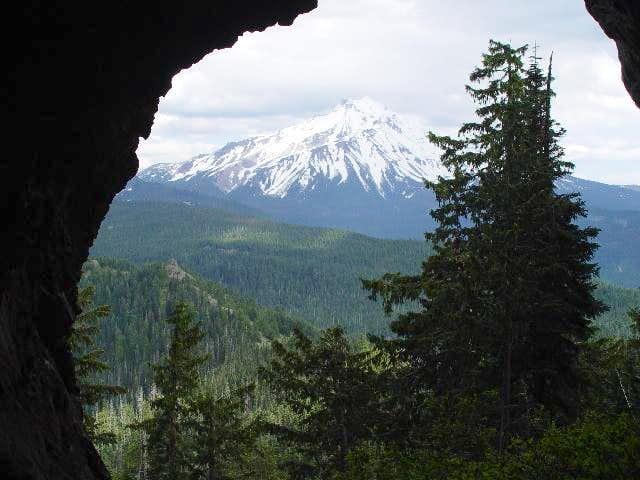 Backpacking Boca Cave and Traingulation Peak
