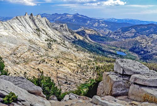 South to Matthes Crest and Clark Range