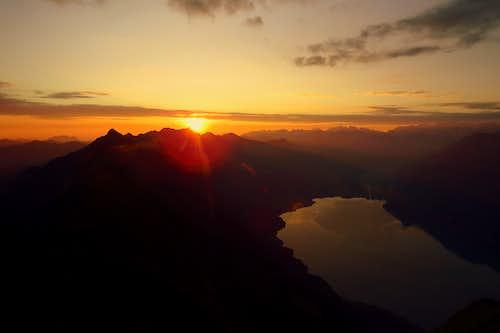 Sunrise over Brienzersee and Brienzer Rothorn