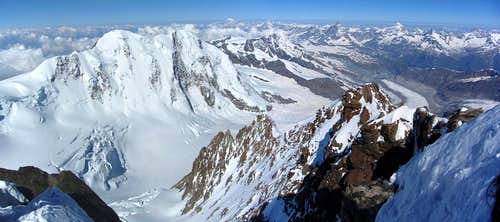 Dufourspitze summit panorama to the west