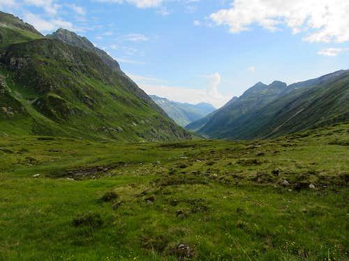 View down the Kleinvermunt valley from Bielerhöhe