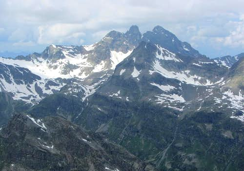Zooming in on Großlitzner and Gross Seehorn from Hohes Rad